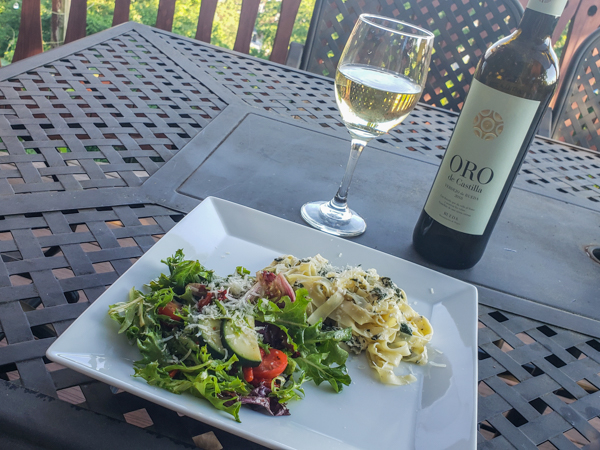 Pairing a Verdejo with Pasta and Salad