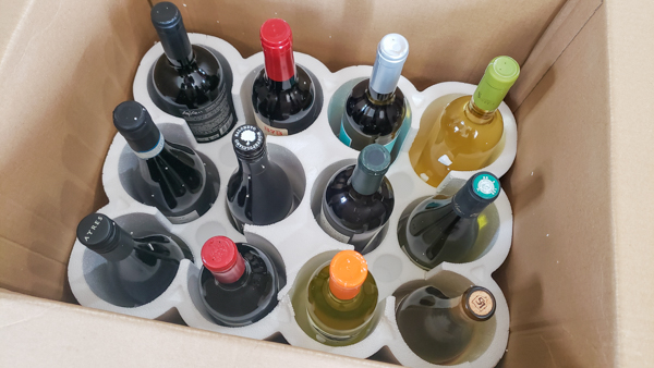 No visible damage of wine during shipping