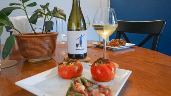 Avesso paired with Tomatoes Stuffed with Mujadara