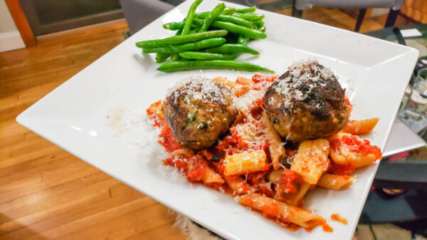 Xinomavro Food Pairing - Pasta and Meatballs